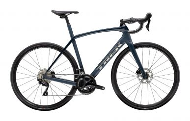 Trek Domane SL 5 Disc Shimano 105 Matte Gloss Nautical Navy