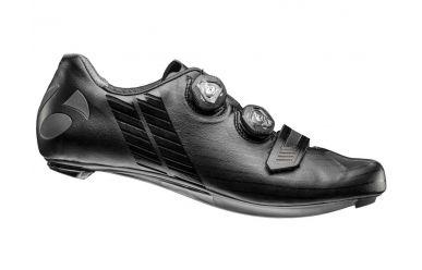 Bontrager XXX Rennrad Schuh extrem steife Carbonsohle, 2fach Boa Drehverschluss, griffigen Gummistollen, super leicht, Black