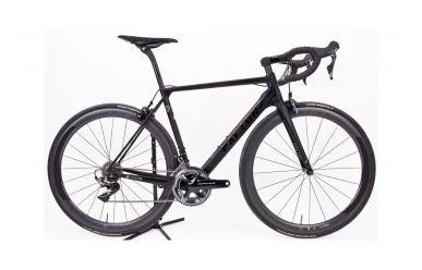 Factor O2 komplett Bike mit Black Inc 5 Laufräder, Shimano Dura Ace 9100 Gruppe, Stealth Black 54cm
